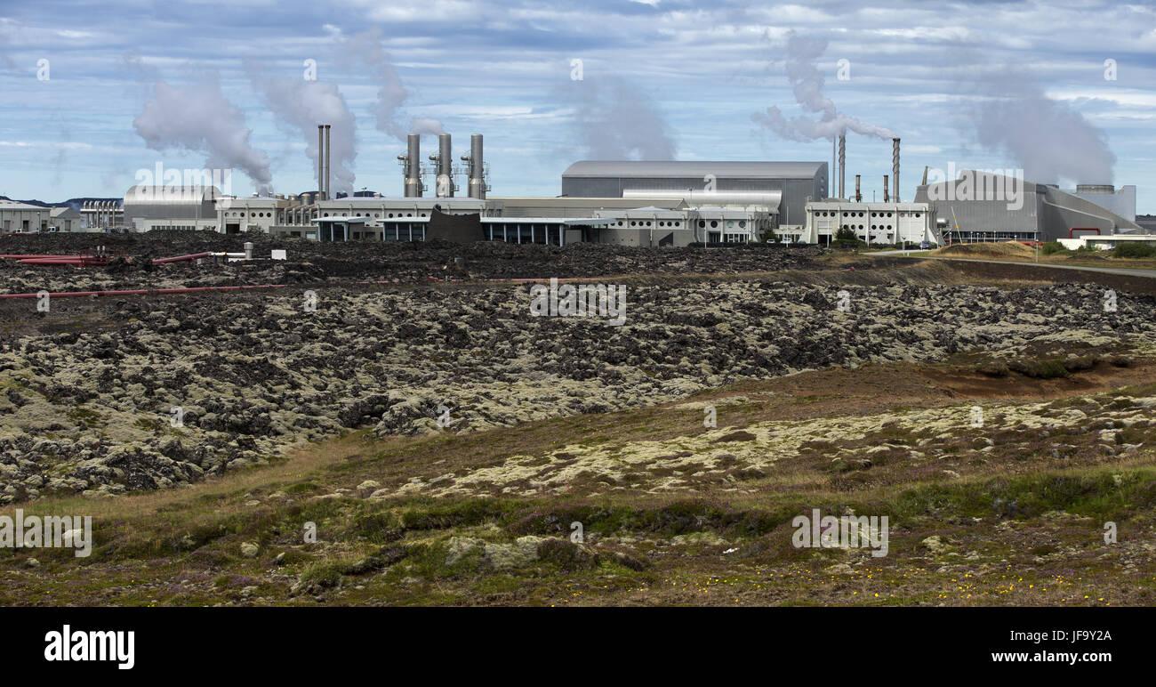 La estación de energía geotérmica en Islandia Imagen De Stock