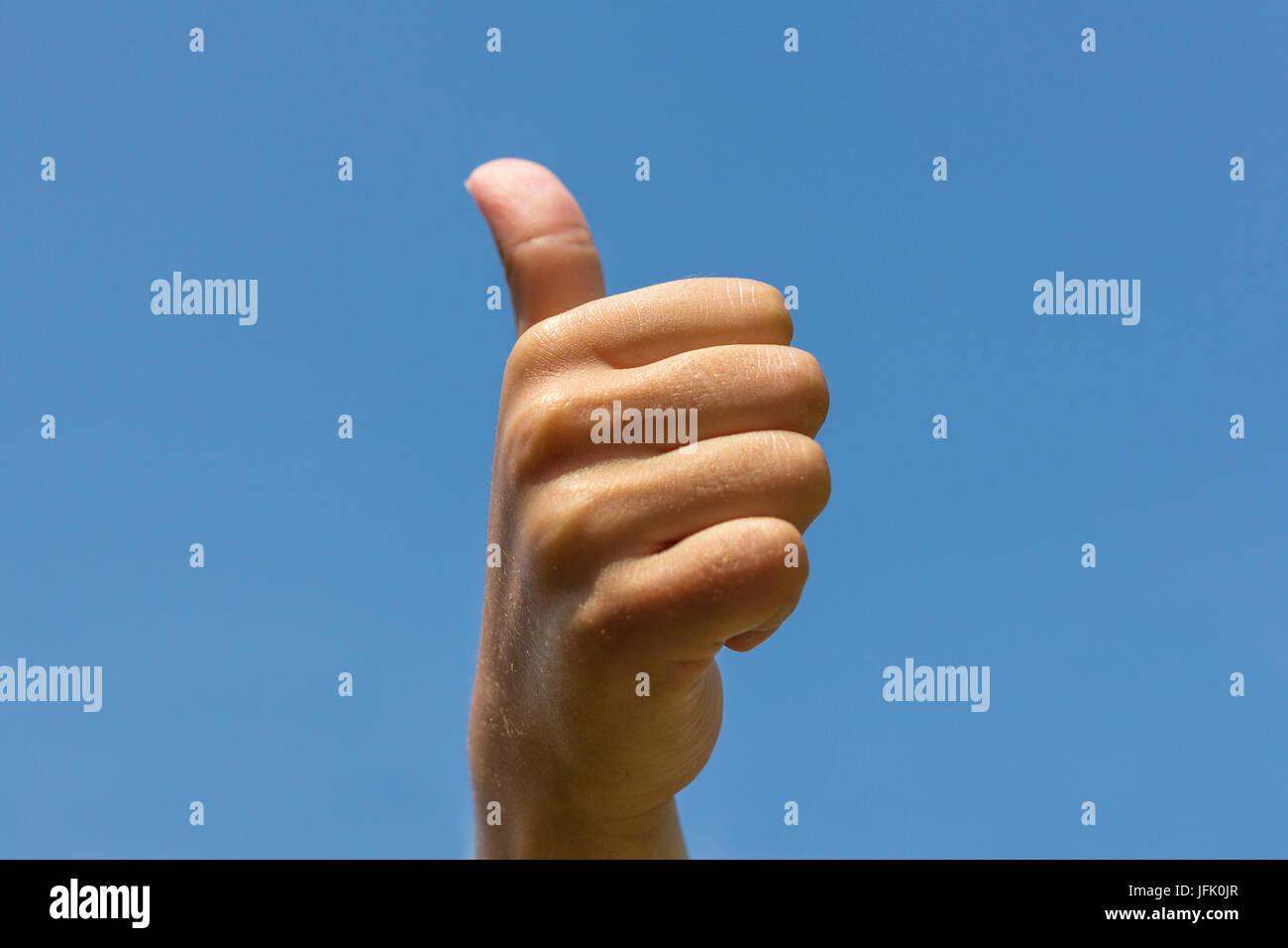 Thumbs up , mostrando la mano pulgar arriba Imagen De Stock