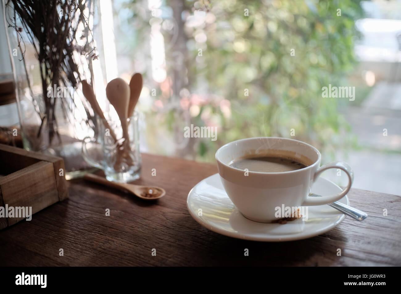 Taza de café americano, café mañana concepto. Imagen De Stock
