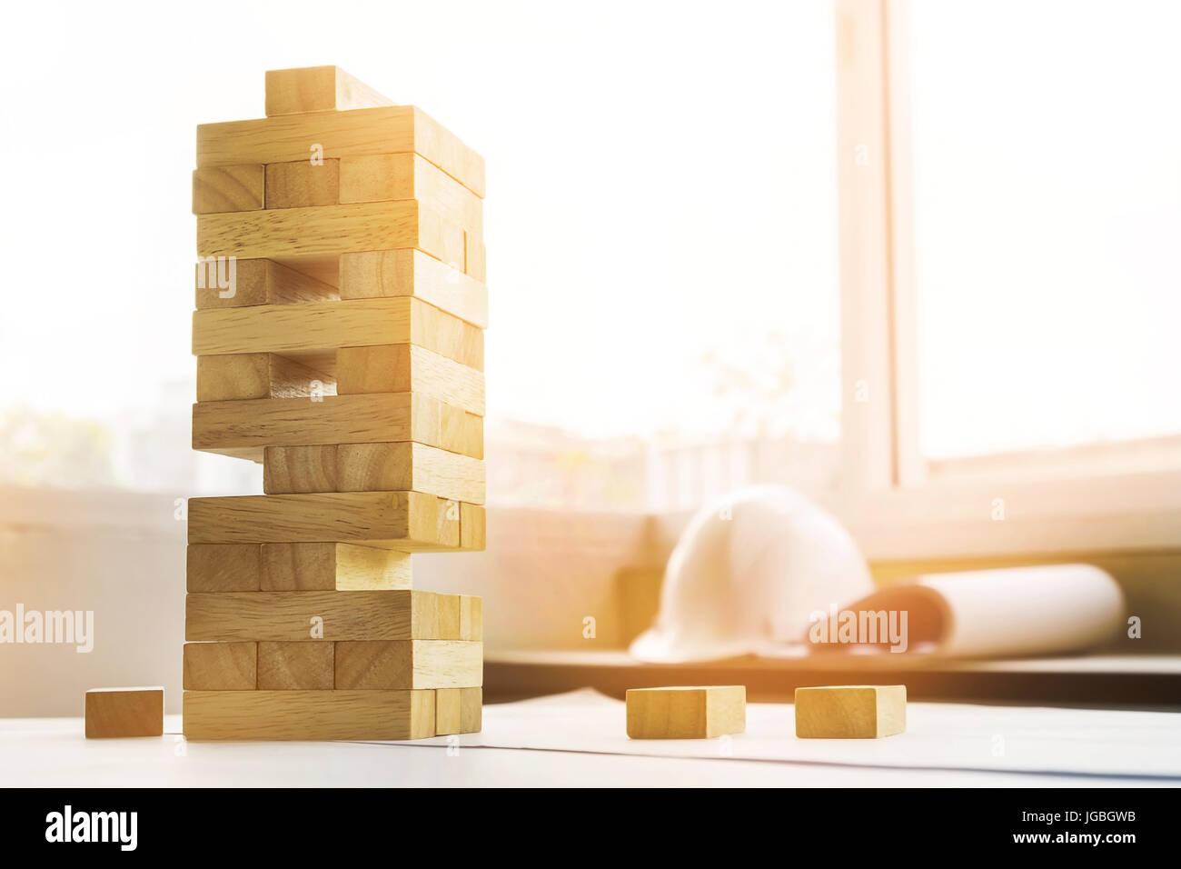 Los Bloques De Madera Con El Juego De La Torre Ingeniero Arquitecto
