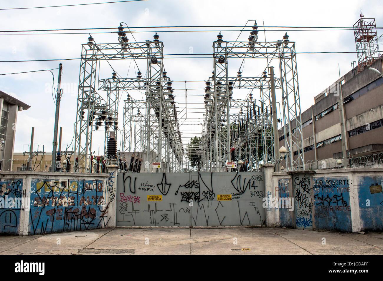 Estación transformadora, AES Eletropaulo, 09.12.2015, Capital, Jundiaí Street, Moema, São Paulo, Brasil. Foto de stock