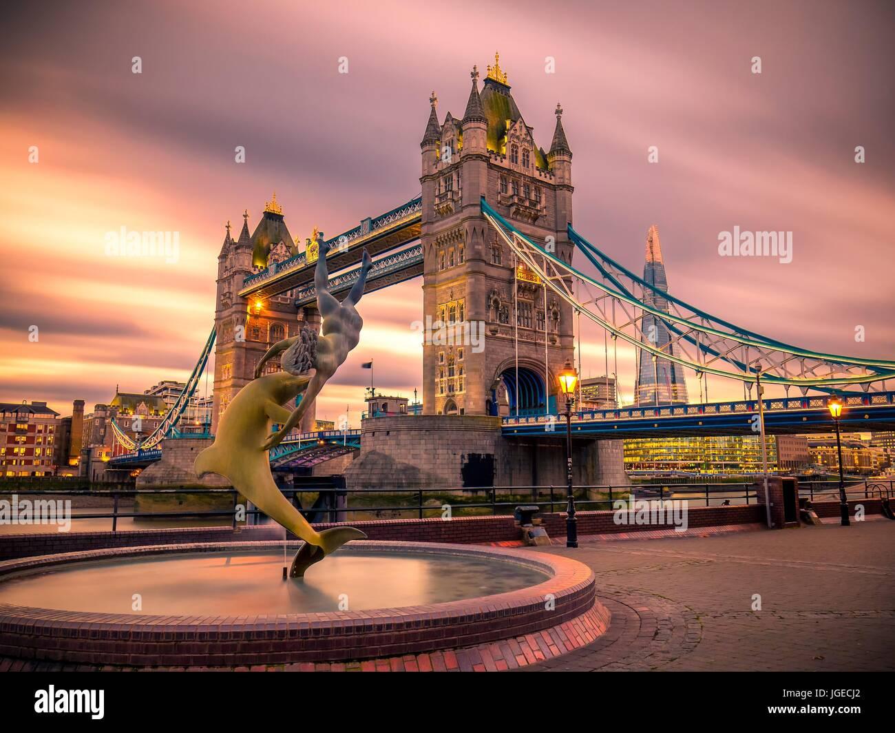 Puente de la torre Foto de stock
