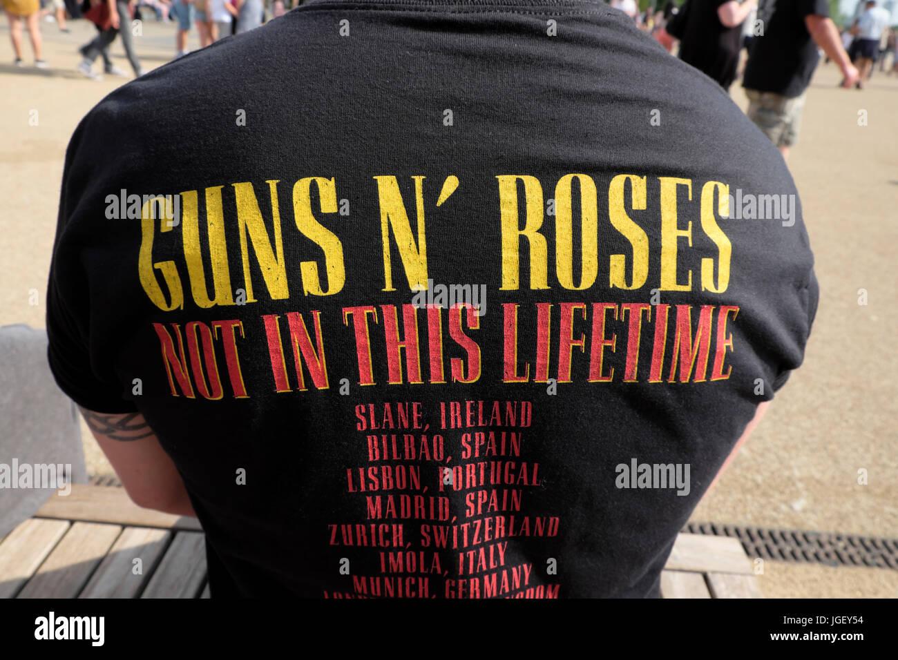 Hombre Vestido Con Guns N Roses 16 17 De Junio De 2017 Londres Reino Unido Camiseta En La Música De Concierto En El Queen Elizabeth Olympic Park Stratford Inglaterra Kathy Dewitt