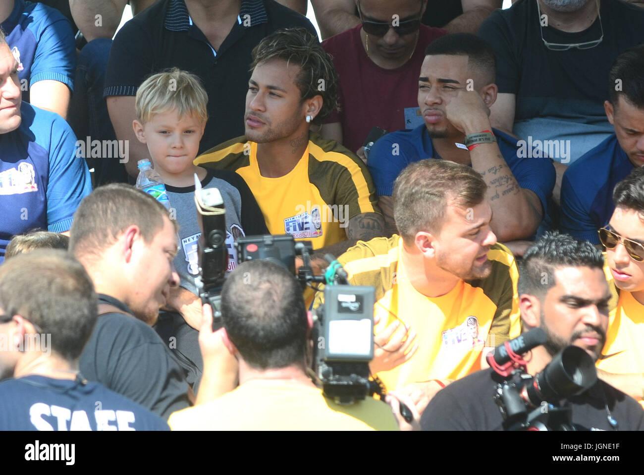 Sao Paulo, Brasil. 07 de julio, 2017. PRAIA GRANDE, SP, 08.07.2017 --JR - Neymar NEYMAR Jr jogador Brasileiro do Imagen De Stock