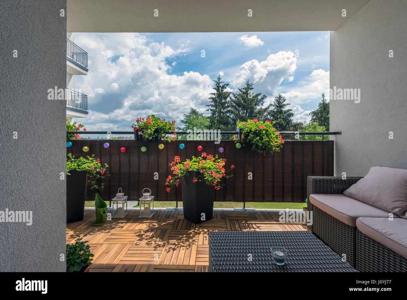 Casa Terraza Con Suelo De Madera Y Zona De Relax Foto