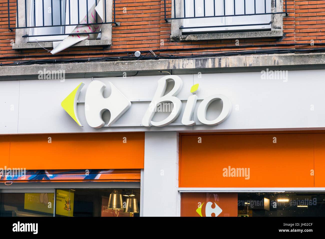 Carrefour Bio tienda frente en Lille, Francia Imagen De Stock