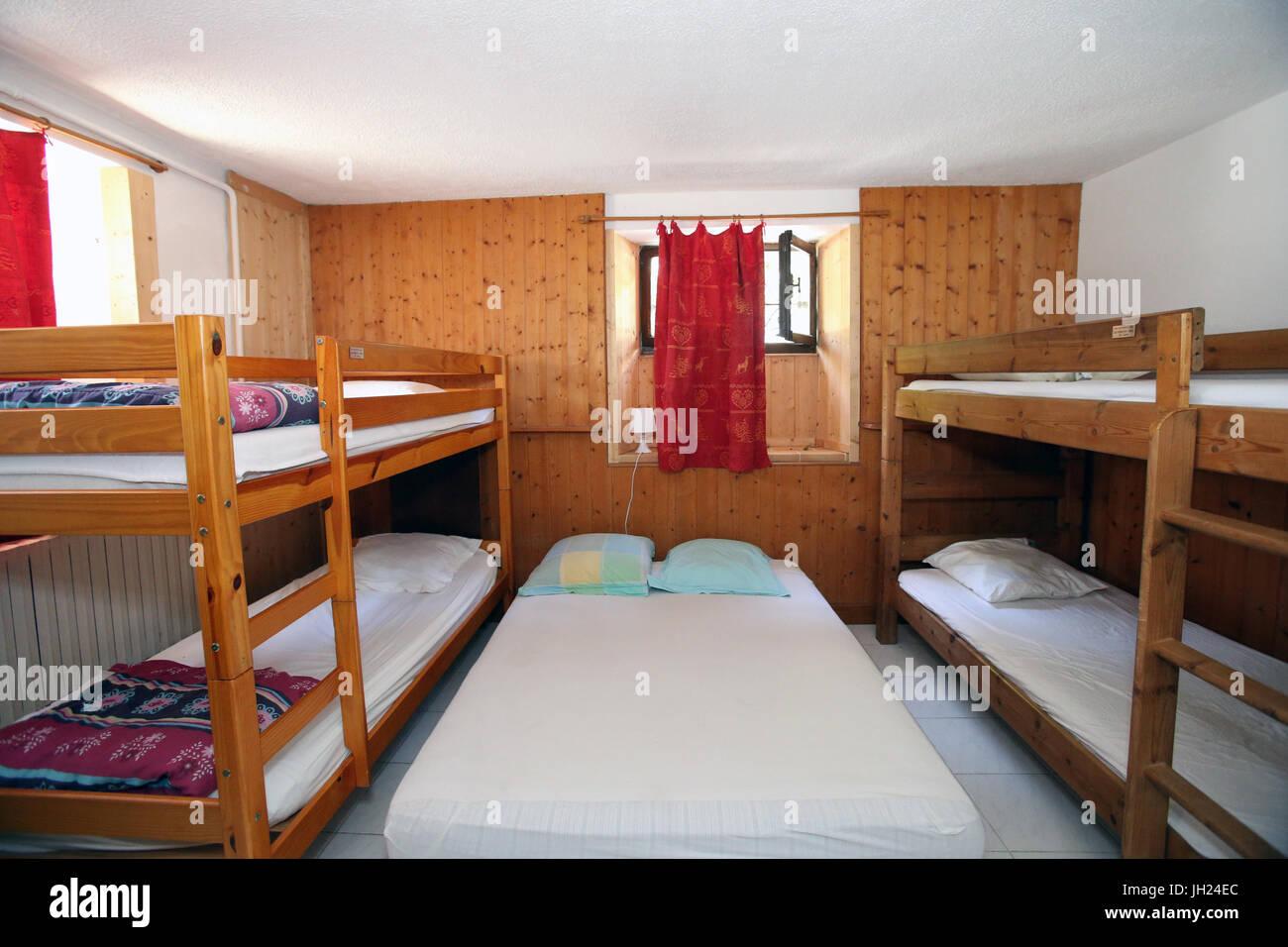 Cama y Desayuno. Dormitorio. Francia. Imagen De Stock