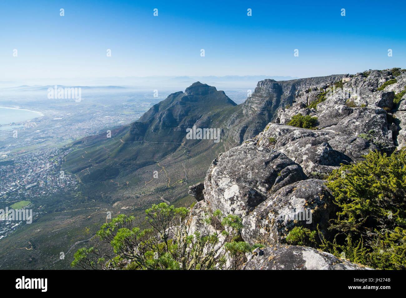 Vistas a la montaña de la Mesa desde Cape Town, Sudáfrica, África Imagen De Stock