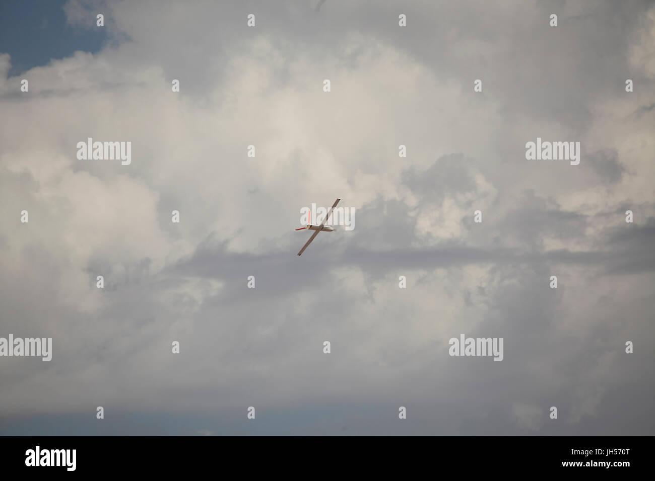 Aviones militares estadounidenses y vehículos aéreos no tripulados (UAV's Foto de stock