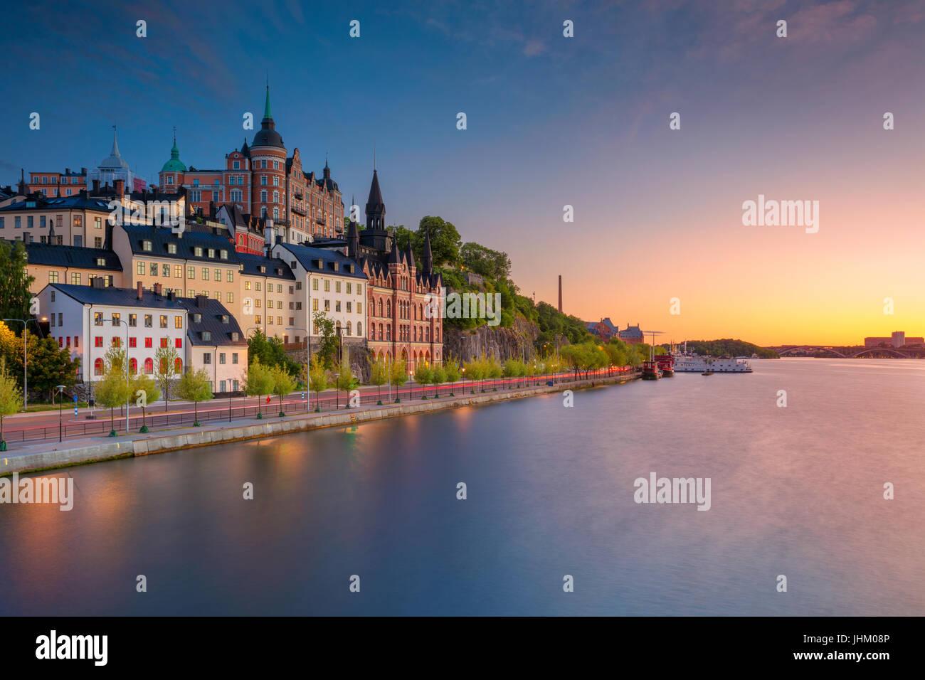 Estocolmo. Imagen de la ciudad vieja de Estocolmo, Suecia durante el atardecer. Imagen De Stock