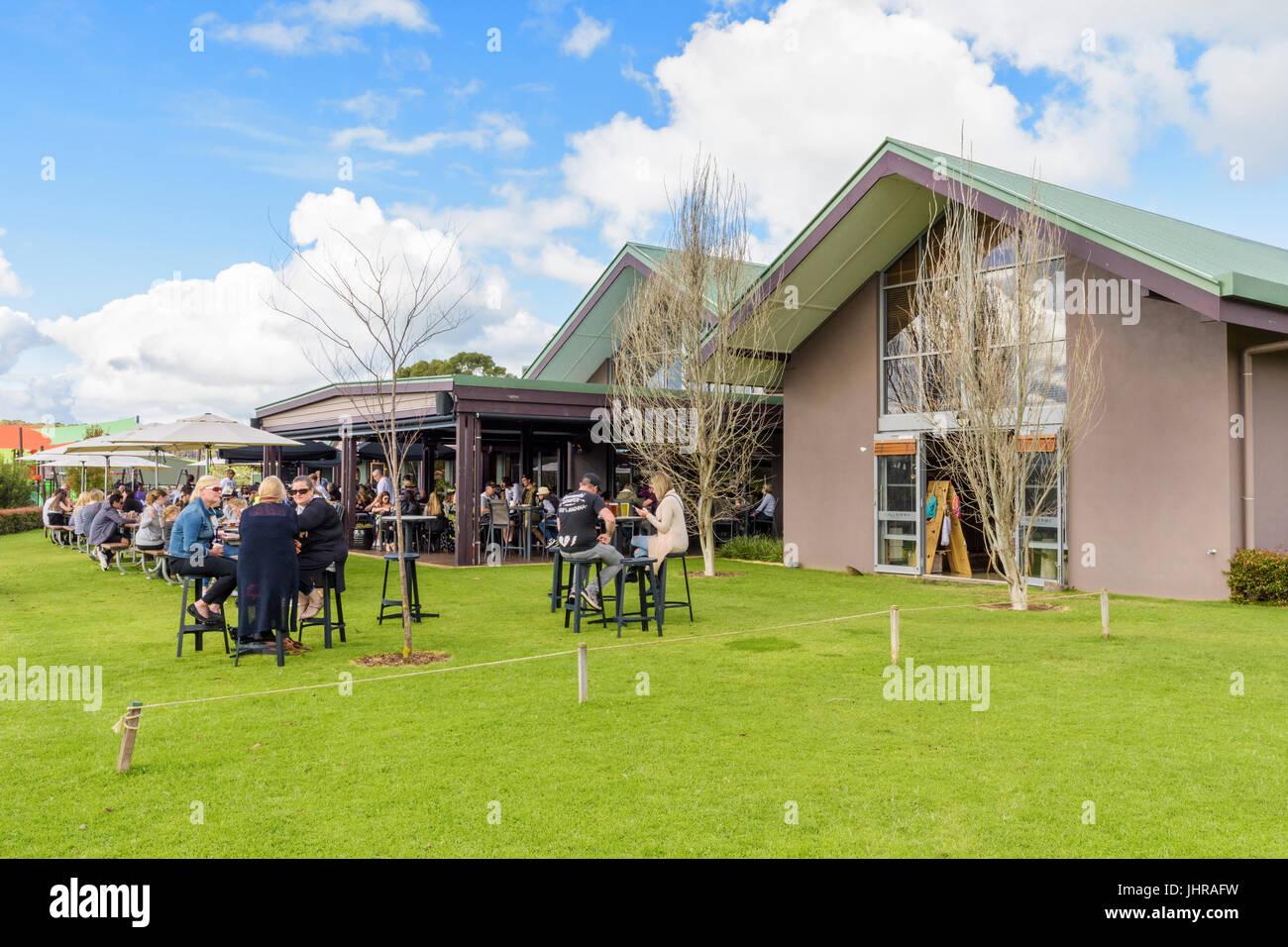 El jardín de la cerveza de la cervecería, Cheeky Monkey Wilyabrup, Australia Occidental Imagen De Stock