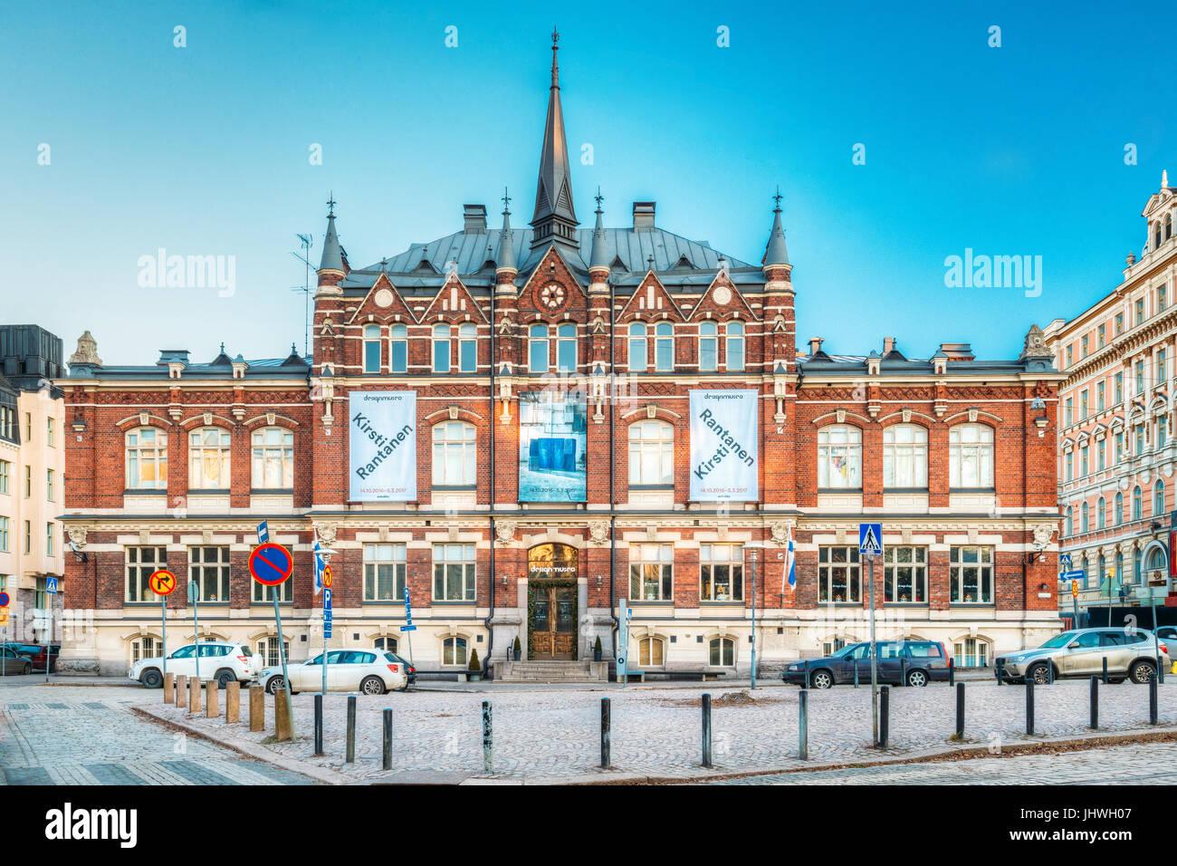 Helsinki, Finlandia - Diciembre 6, 2016: el diseño finlandés Museo o Designmuseo Edificio. Designmuseum Imagen De Stock