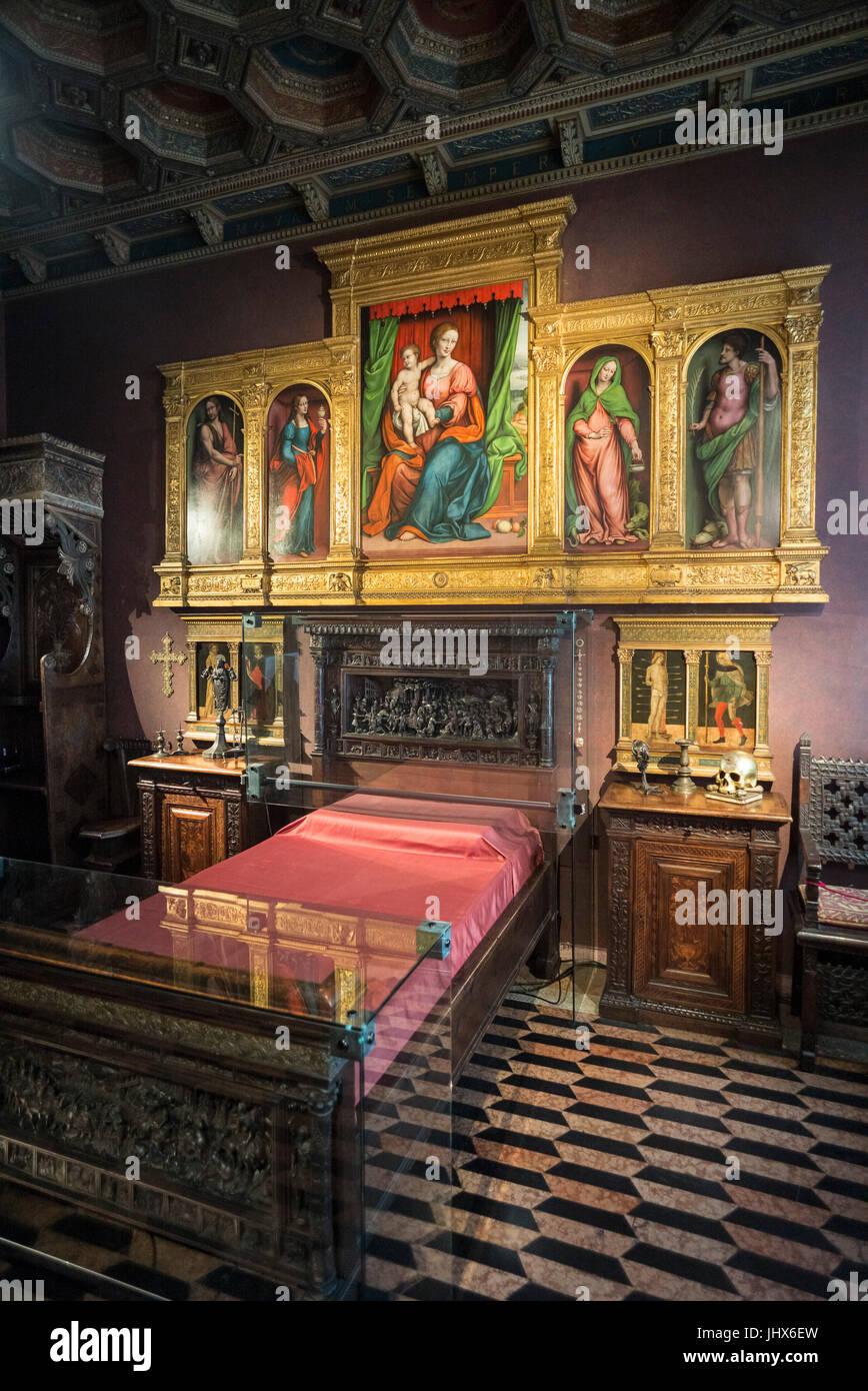 Milán. Italia. Museo Bagatti Valsecchi, Fausto Museo Bagatti Valsecchi del dormitorio, la habitación de Imagen De Stock