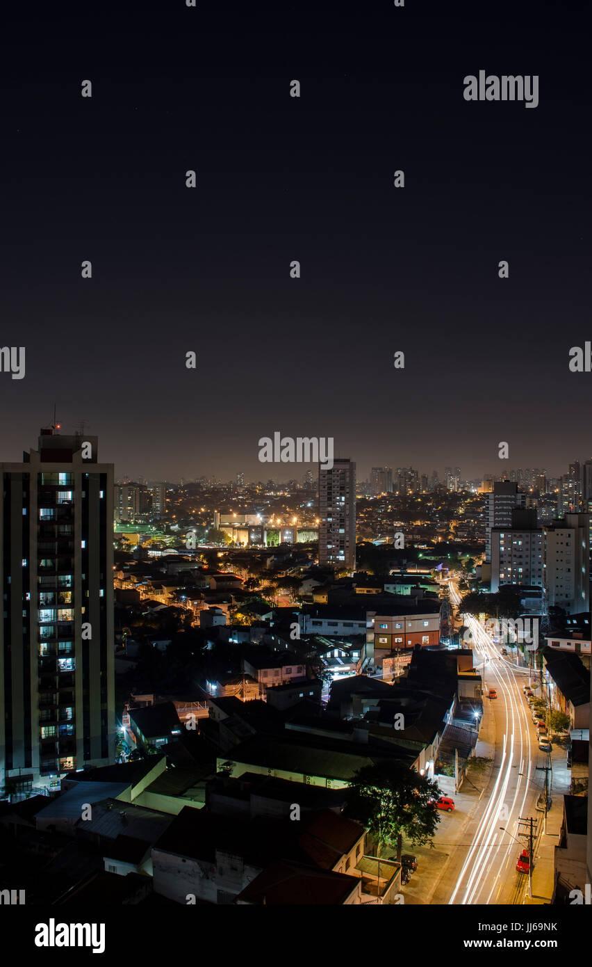 Skyline de Sao Paulo paisaje desde arriba por la noche Imagen De Stock