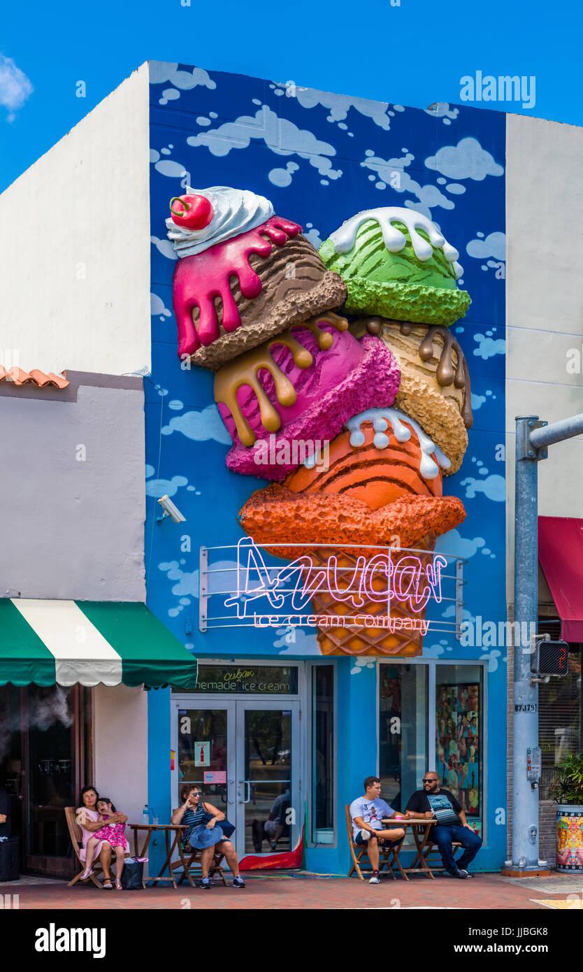 Barrio cubano de la Pequeña Habana en Miami, Florida Imagen De Stock