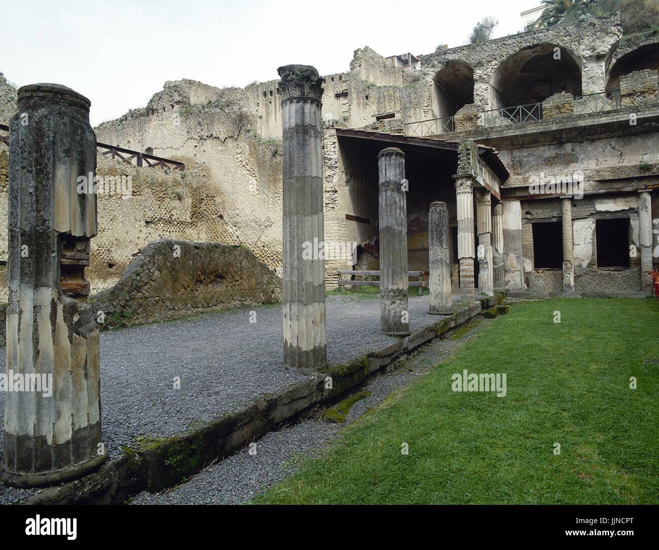 Italia. Herculano. Ruinas de Palaestra (escuela de lucha libre). La Campania. Imagen De Stock