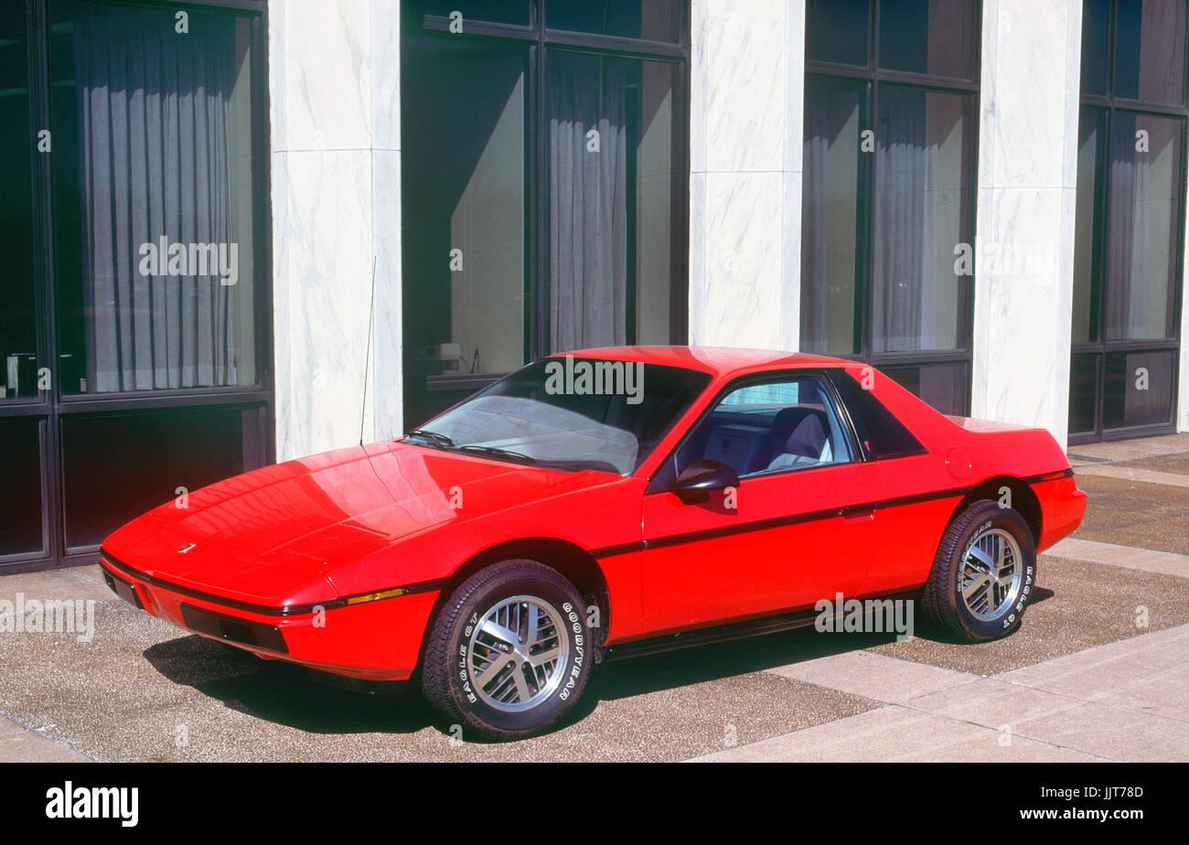 1983 Pontiac Fiero Imagen De Stock