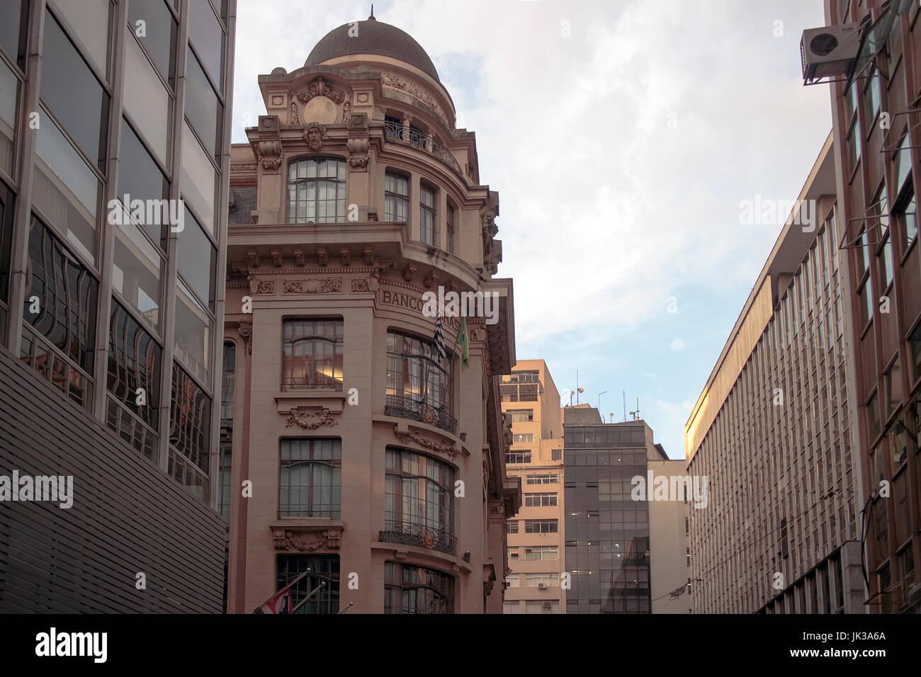 Los edificios antiguos en el centro de Sao Paulo, Brasil Imagen De Stock