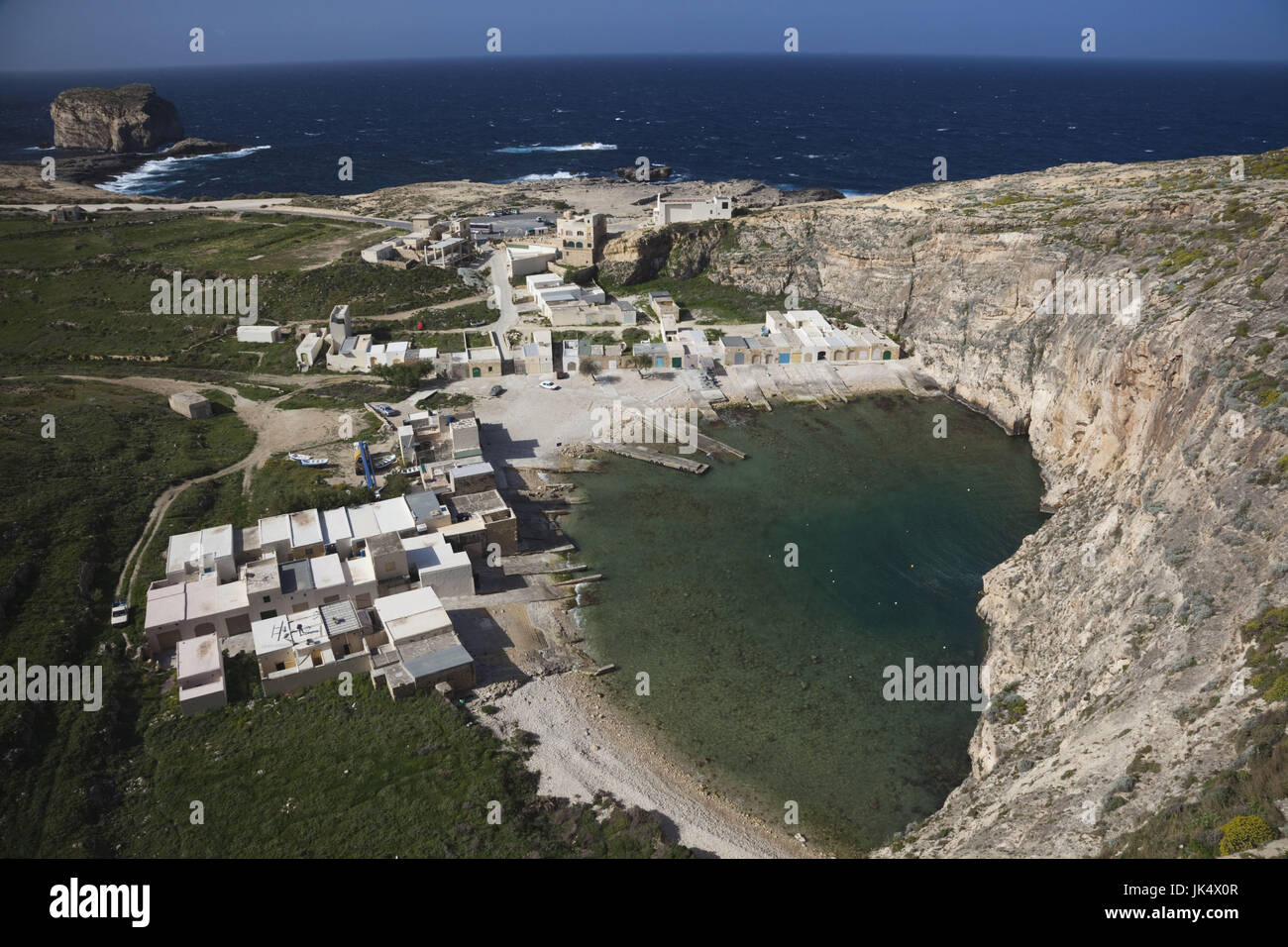 La isla de Malta, Gozo, Dwejra, niveles elevados de vista del mar interior Imagen De Stock