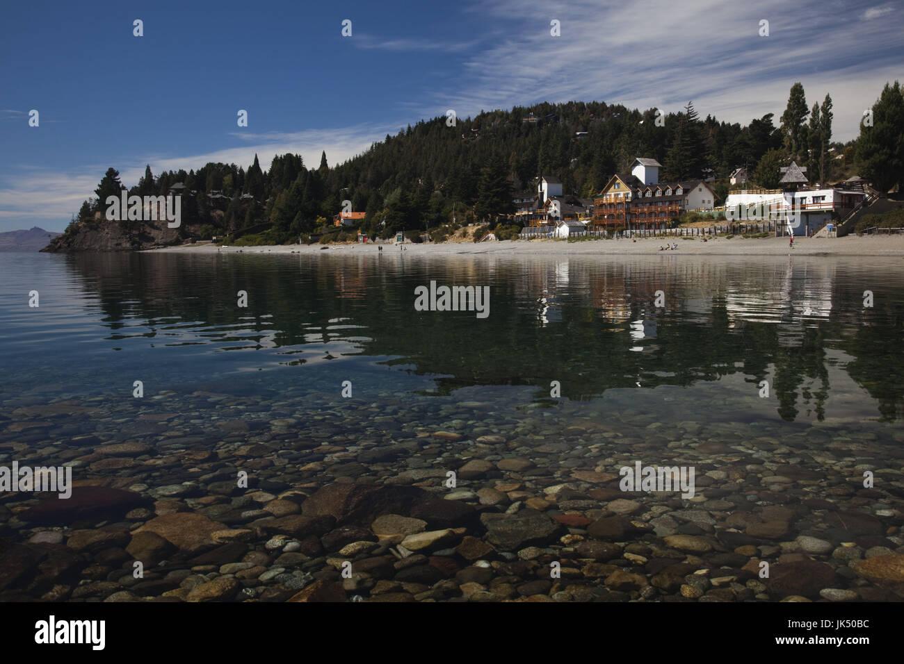 Argentina, Provincia de Río Negro, Lake District, San Carlos de Bariloche, Playa Bonita playa sobre el lago Imagen De Stock