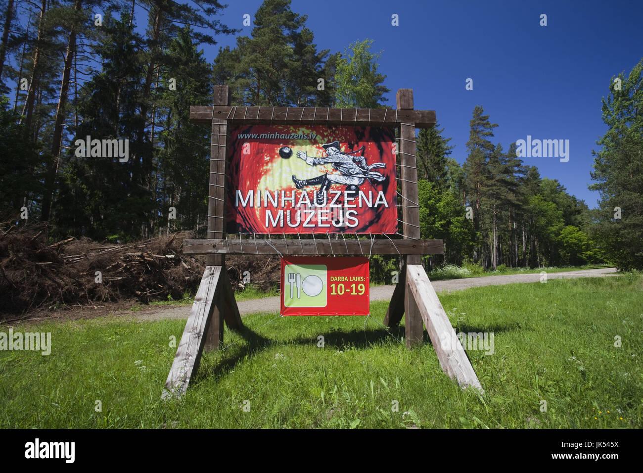 Letonia, al noreste de Letonia, Vidzeme, Región Costa Dunte, Break del Barón Karl von Munchausen, escritor de historias fantásticas, signo Foto de stock