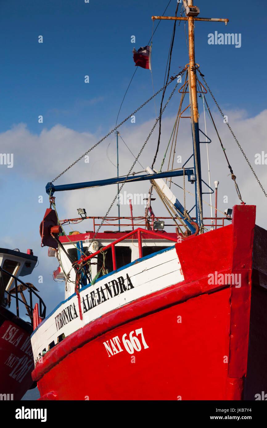 Chile, Región de Magallanes, Puerto Natales, Seno de Ultima Esperanza, barco pesquero bahía Imagen De Stock