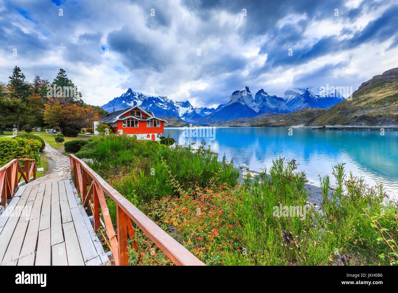 Parque Nacional Torres del Paine, Chile. El Lago Pehoé. Imagen De Stock