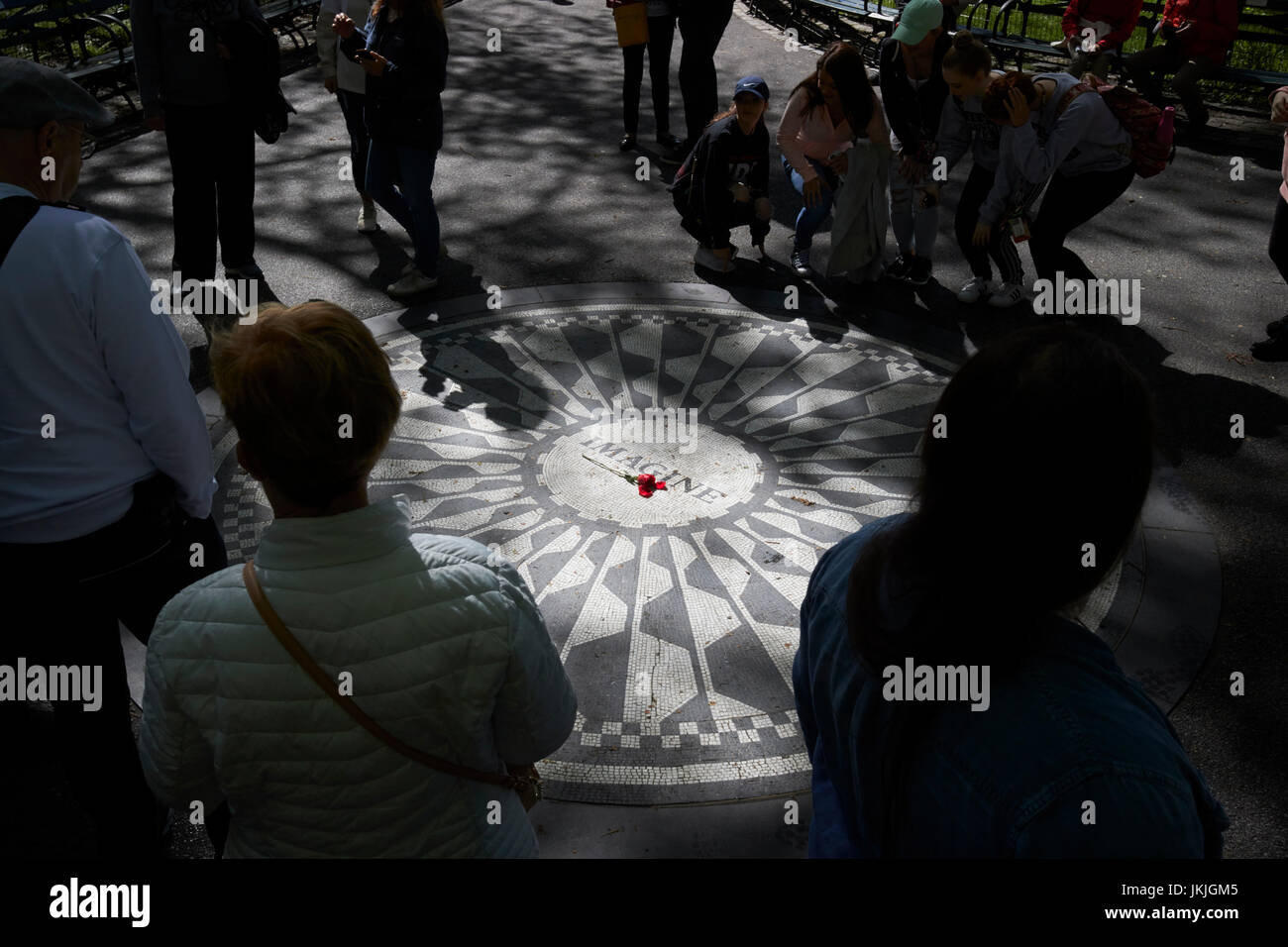Imagine mosaico dedicado a John Lennon en Central Park, Nueva York, Estados Unidos Foto de stock
