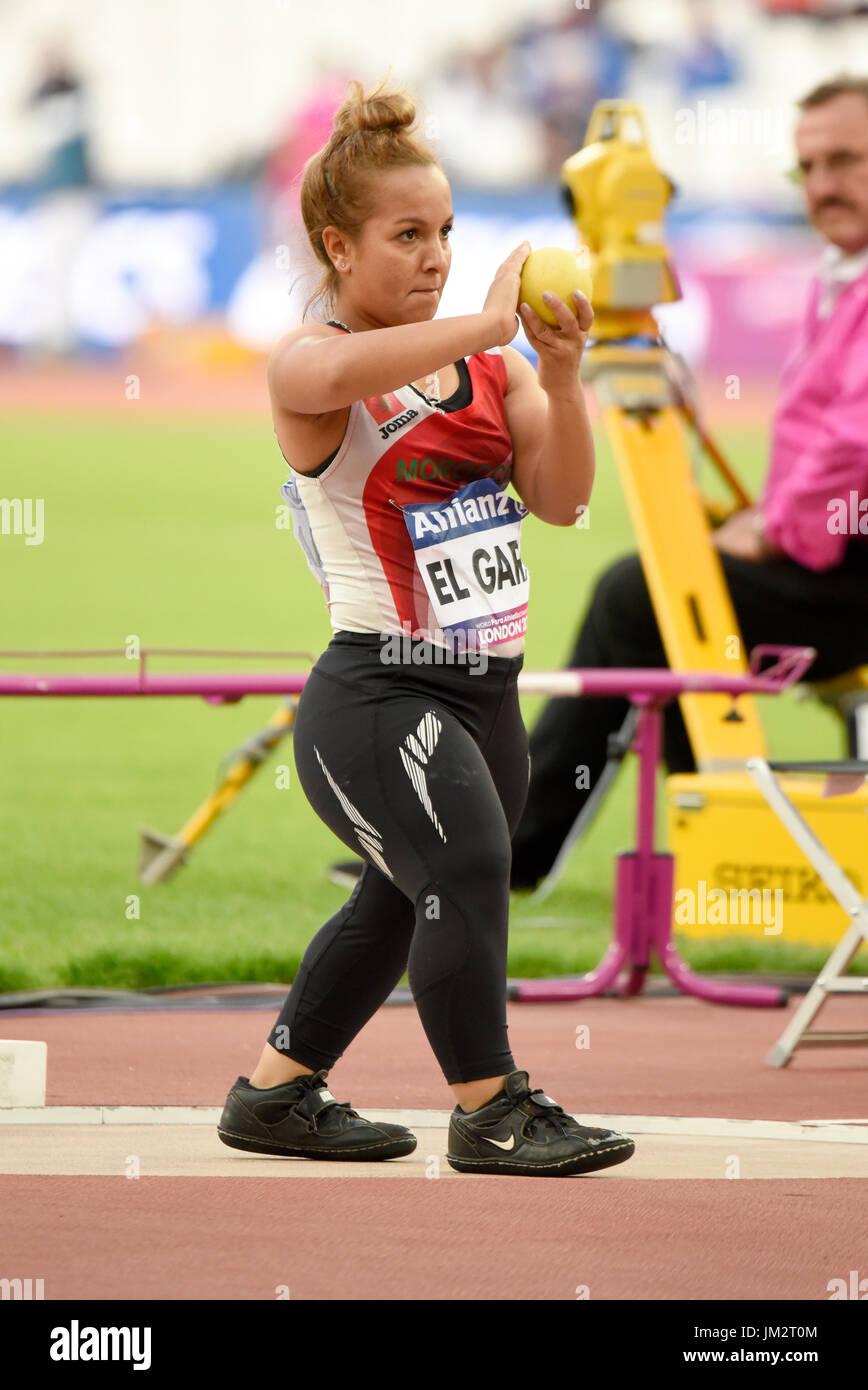 Hayat El Garaa compitiendo en el Mundial de Atletismo de Pará en el estadio de Londres. Las mujeres del tiro poner F41 para atletas de estatura baja Foto de stock