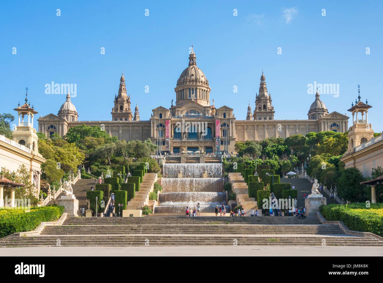 Barcelona Catalunya España Barcelona Palacio Nacional, Museo Nacional de Arte de Cataluña Plaça de les cascades cascada Montjuic Barcelona España Imagen De Stock