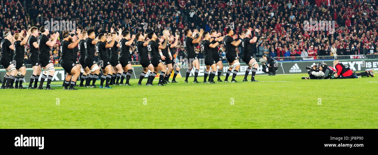 Los All Blacks realizar el Haka, Eden Park, Auckland, el sábado, 8 de julio de 2017 antes de la final de la Copa Mundial de Rugby contra los LEONES BRITÁNICOS E IRLANDESES Foto de stock