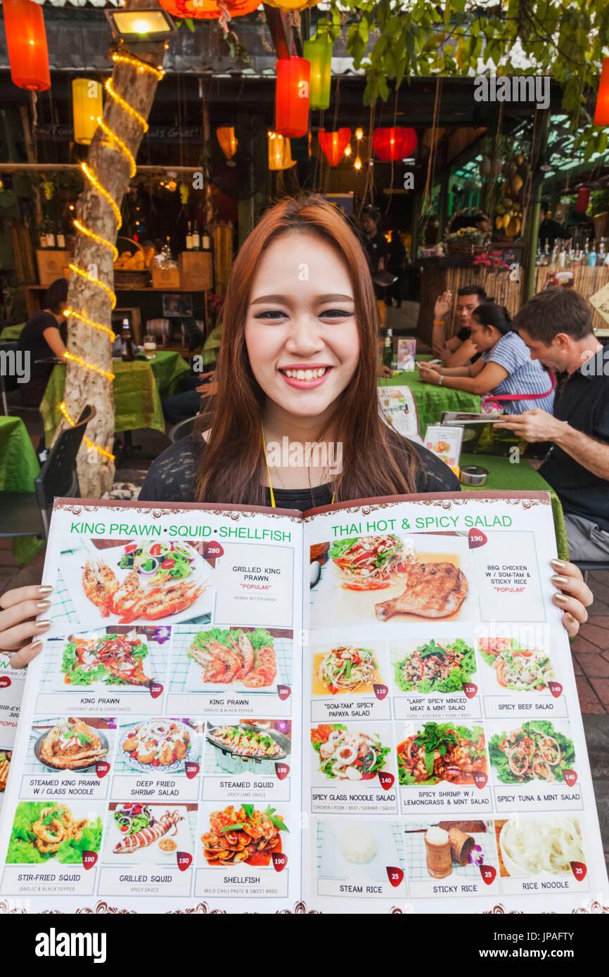 Tailandia, Bangkok, Khaosan Road, el menú del restaurante de comida tailandesa Imagen De Stock