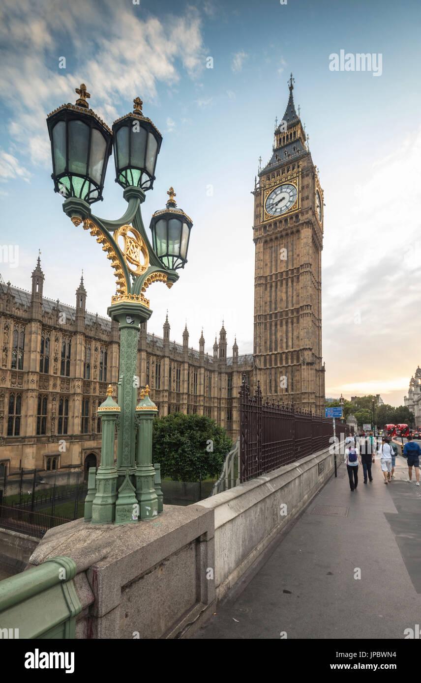 Big Lamps Imágenes De Stock & Big Lamps Fotos De Stock - Alamy