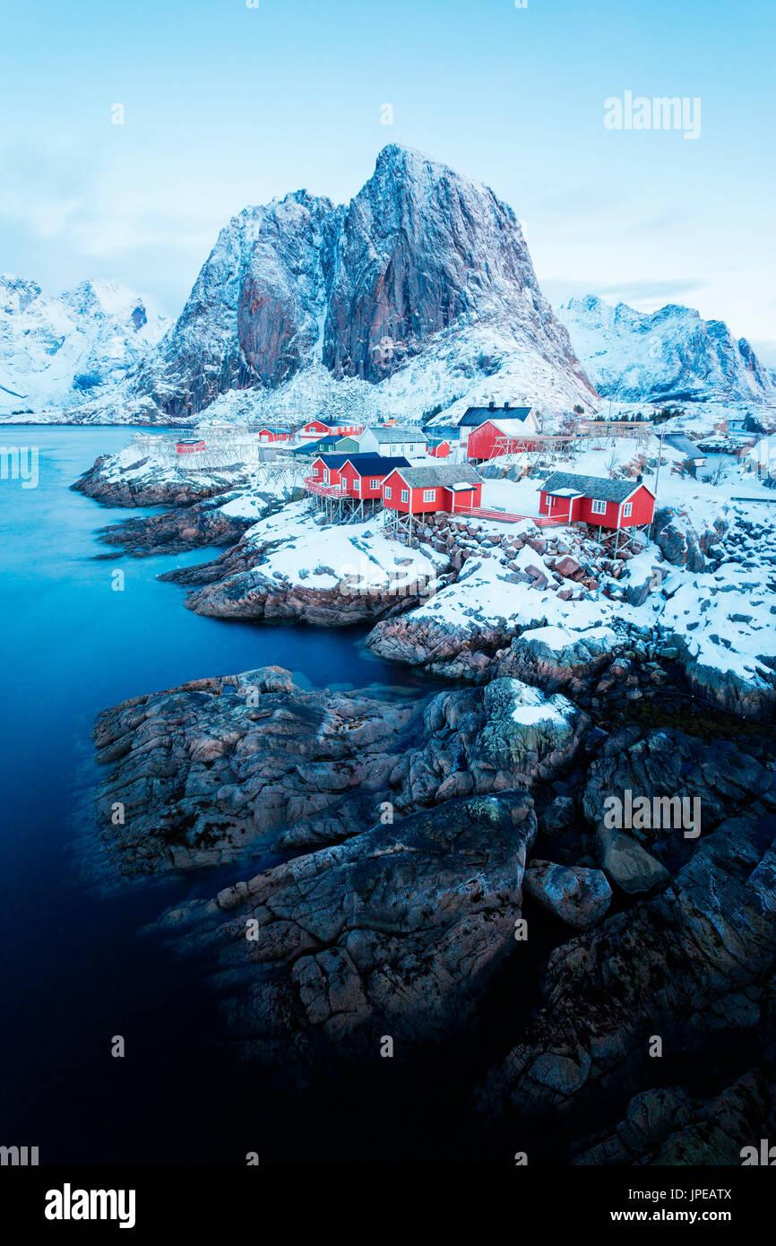 Hamnoy, islas Lofoten, Noruega. invierno ver al amanecer. Foto de stock