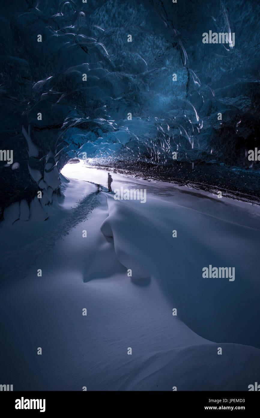 Cueva de hielo en el sureste de Islandia Foto de stock