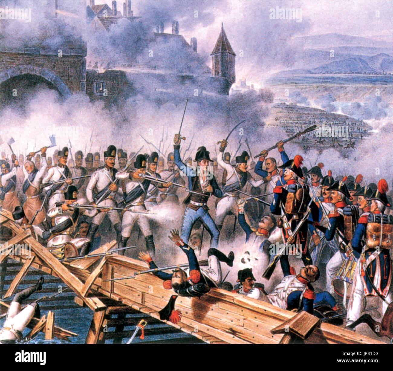 La batalla de Ebelsberg, conocida en francés cuentas como la Batalla de Ebersberg, se libró durante la Guerra de la Quinta Coalición, parte de las guerras napoleónicas. Separada de la principal ejército austríaco por las batallas de Abensberg y Landshut Feldmarschall-Leutnant Hiller se retiraron al este de Linz, con los tres cuerpos del ala izquierda. Los principales elementos del Mariscal Masséna's corps invadieron el protector trasero del Hiller en la orilla oeste del Traun en la mañana del 3 de mayo de 1809. En la ruta que siguió, la primera brigada de infantería francesa acometieron a los 1800 pies de largo puente y se metió en las calles de Ebelsberg. Mantener Foto de stock