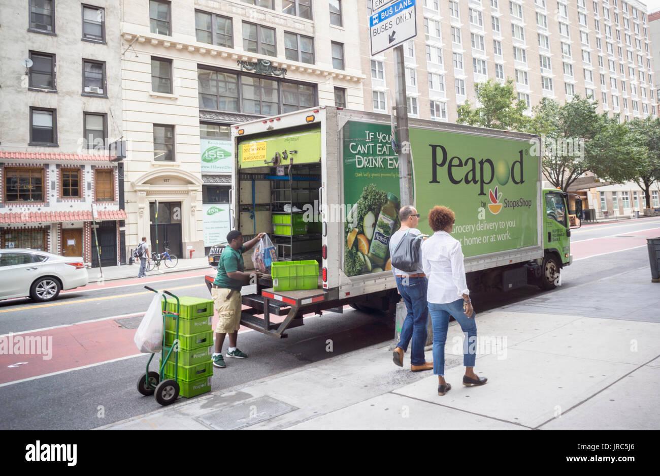 4f254e126 Un camión Peapod hacer entregas en Nueva York el sábado