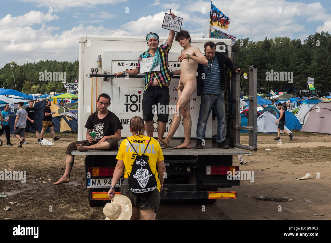 Wroclaw, Polonia. 4 de agosto, 2017. Festival de Woodstock es el mayor festival de música en Polonia. Cada año Kostrzyn atrae a unos 200 mil personas para jugar con la contraseña, el amor, la amistad y la música. Kostrzyn, Polonia. Crédito: Krzysztof Kaniewski/Zuma alambre/Alamy Live News Imagen De Stock