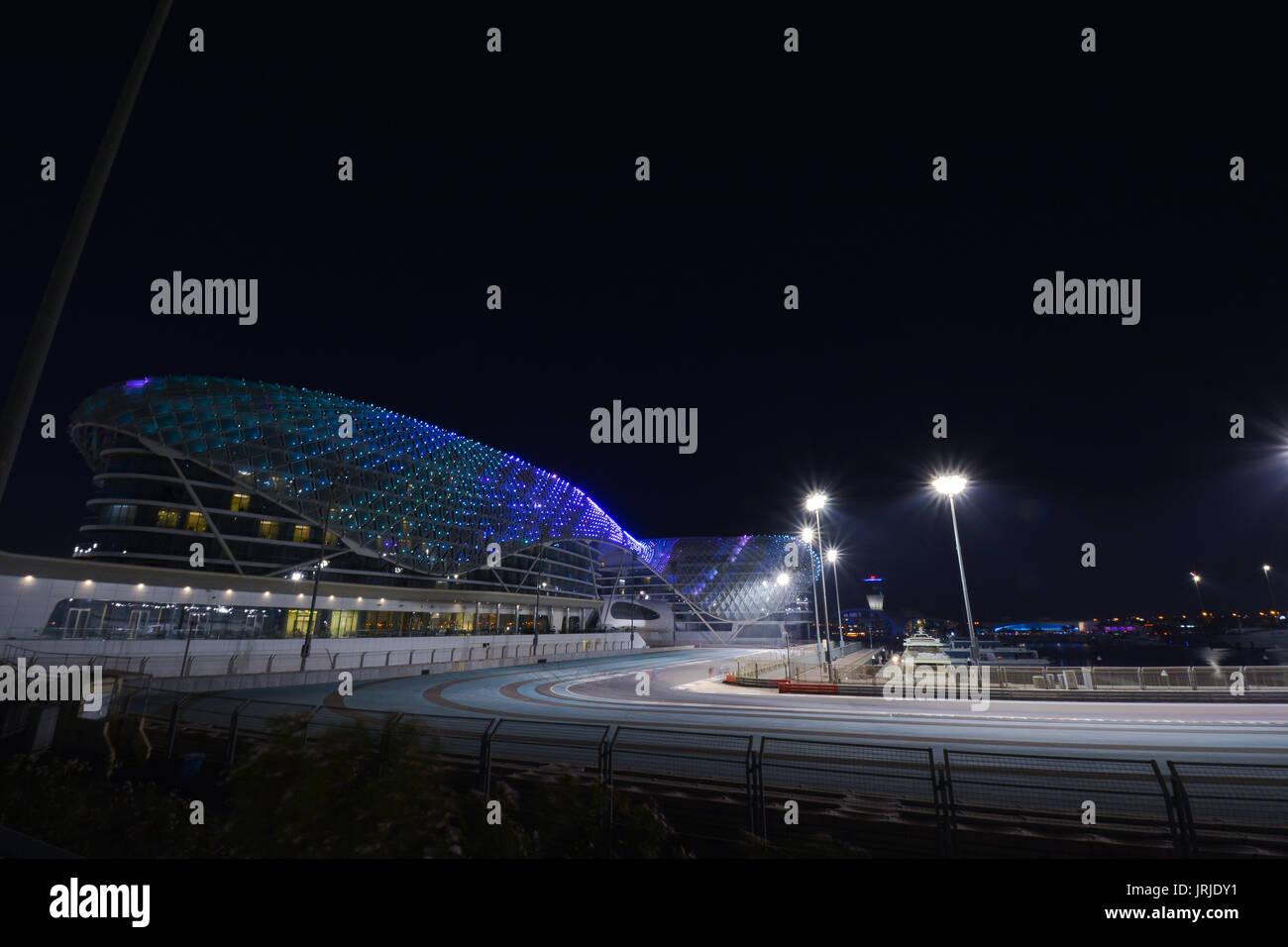 Circuito Yas Marina : Circuito yas marina y yas marina hotel foto & imagen de stock