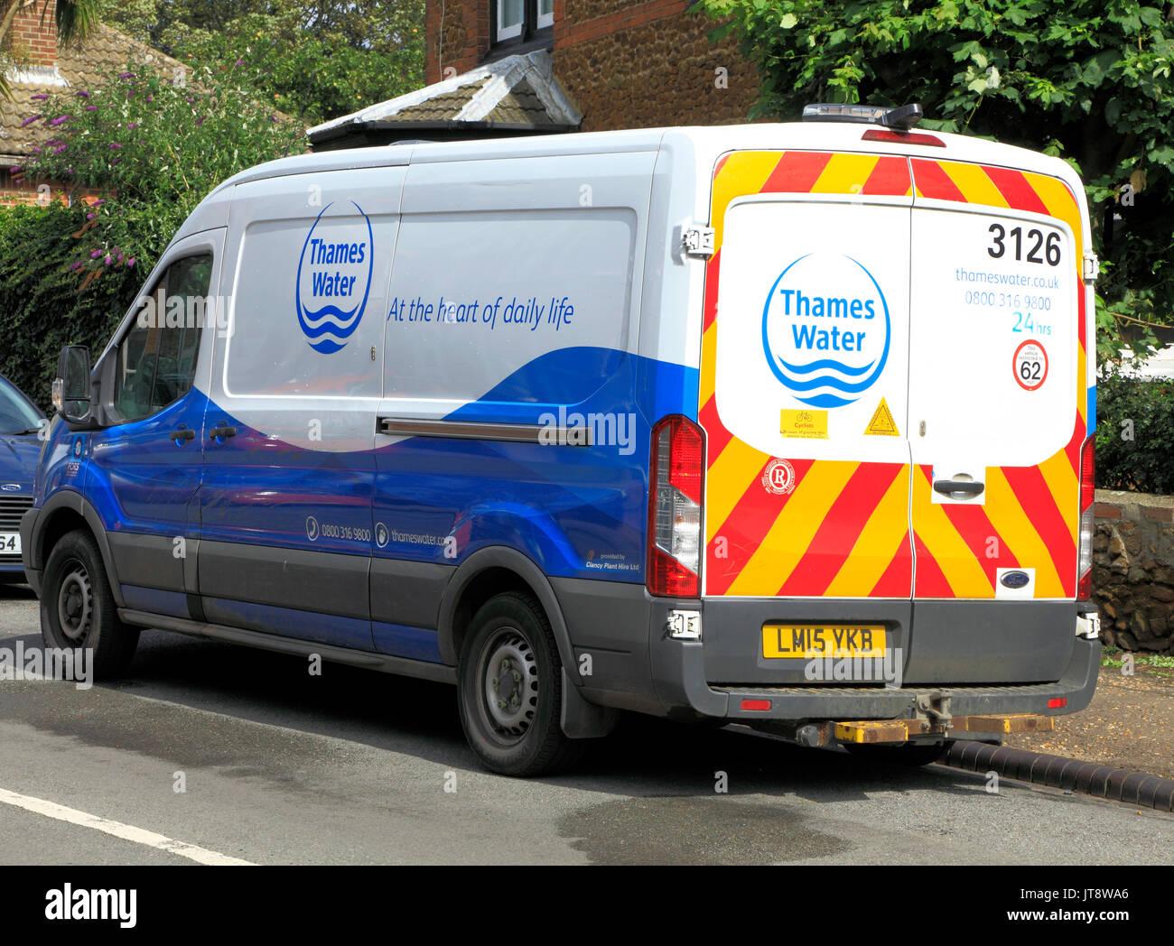 Thames Water, empresa, empresas, vehículo de servicio, van, furgonetas, vehículos, Inglaterra, Reino Unido. Imagen De Stock