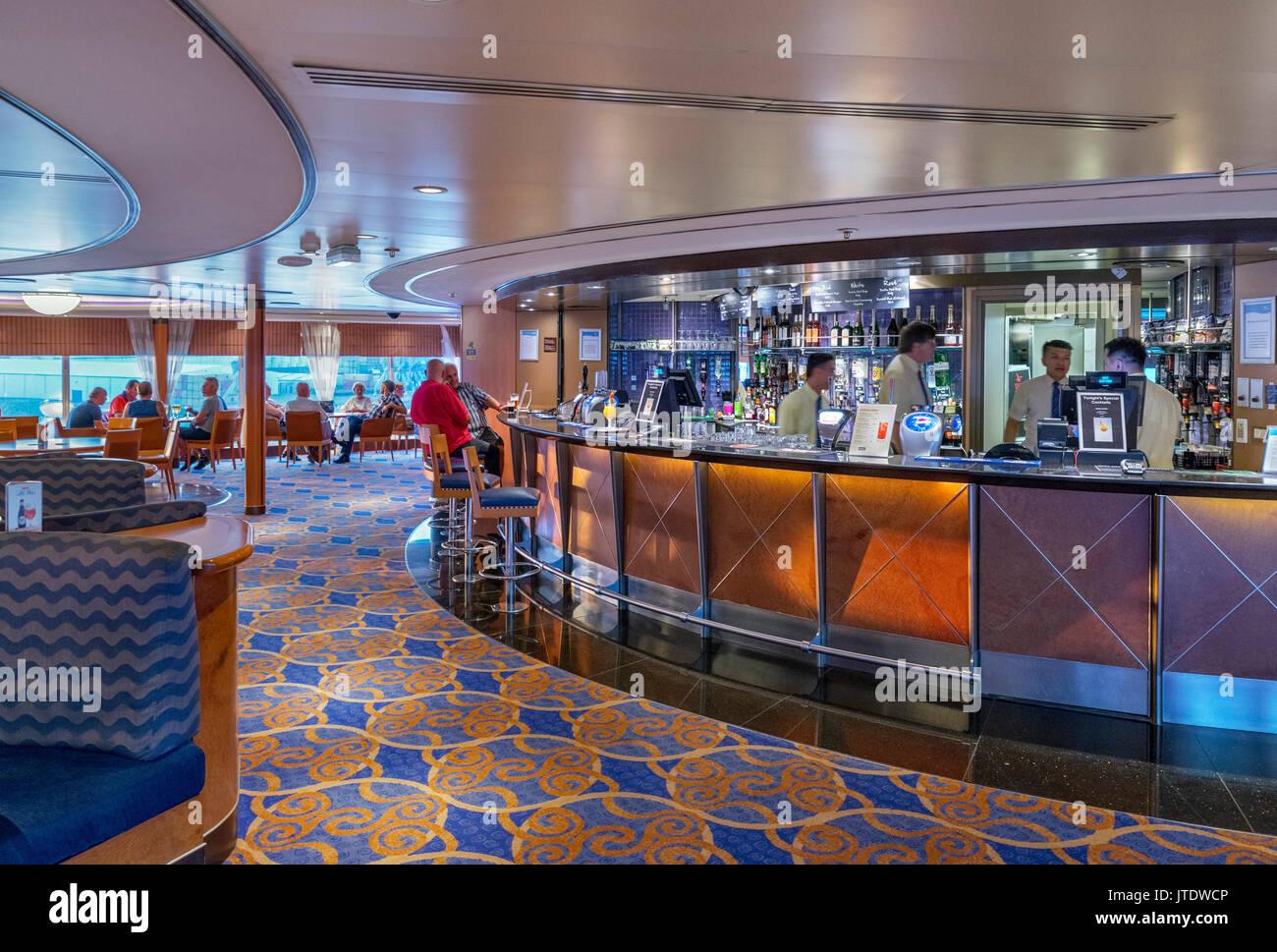 Lounge bar en el P&O a Rotterdam Hull Imagen De Stock