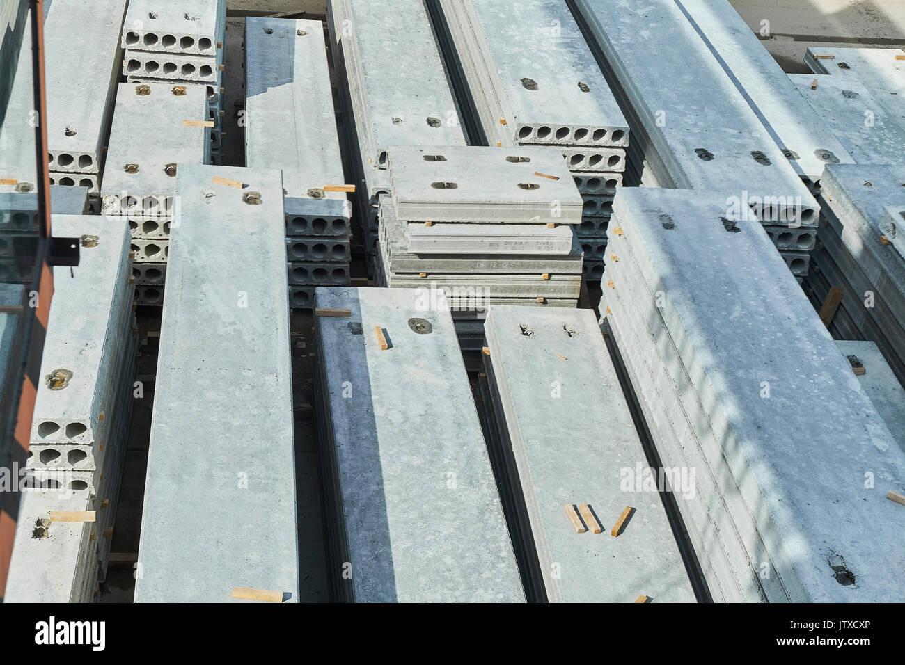 La fabricación de losas de hormigón. hormigón producción f Foto de stock