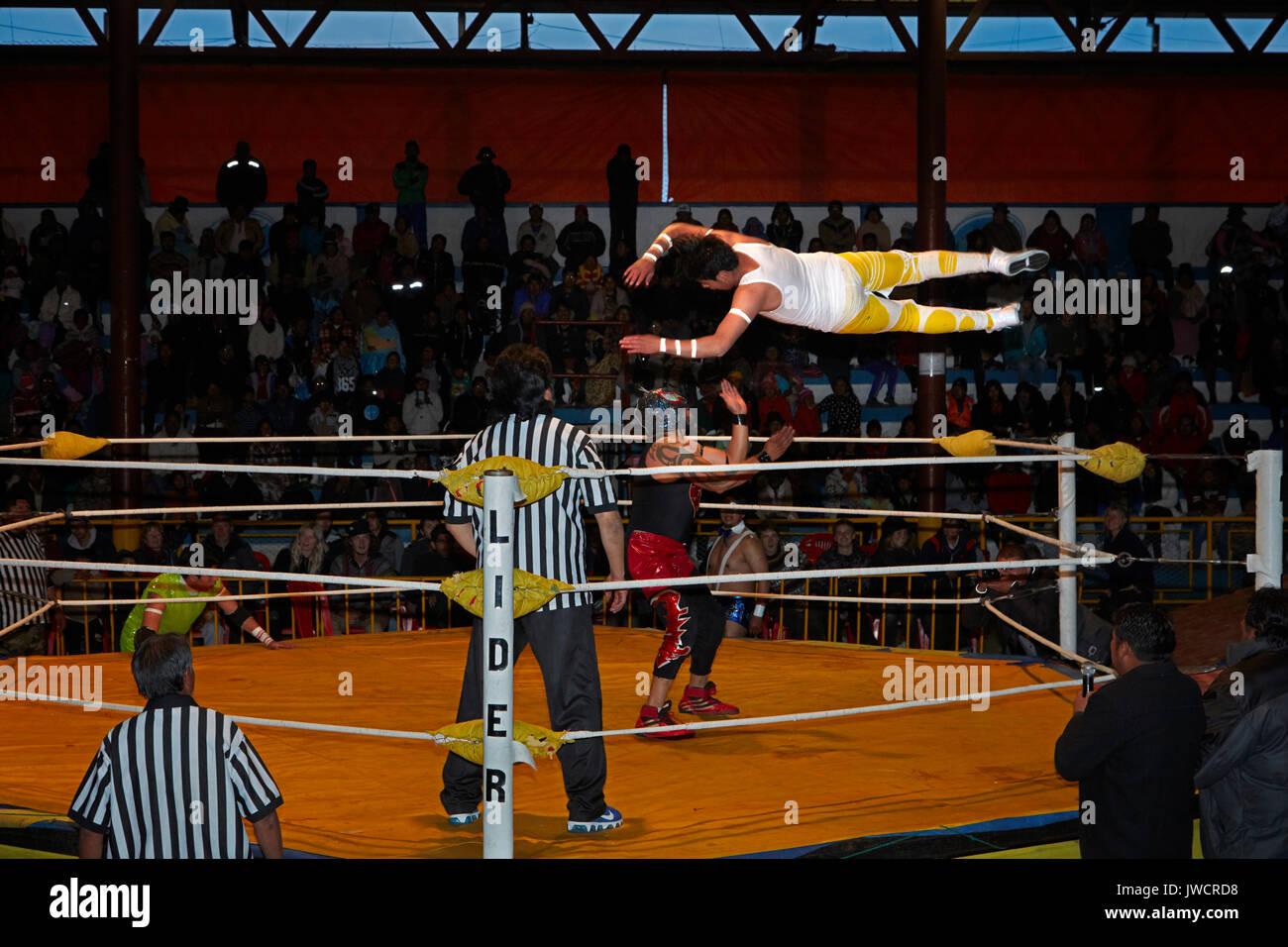 Los luchadores masculinos en el Wrestling Cholitas, El Alto, La Paz, Bolivia, América del Sur Imagen De Stock