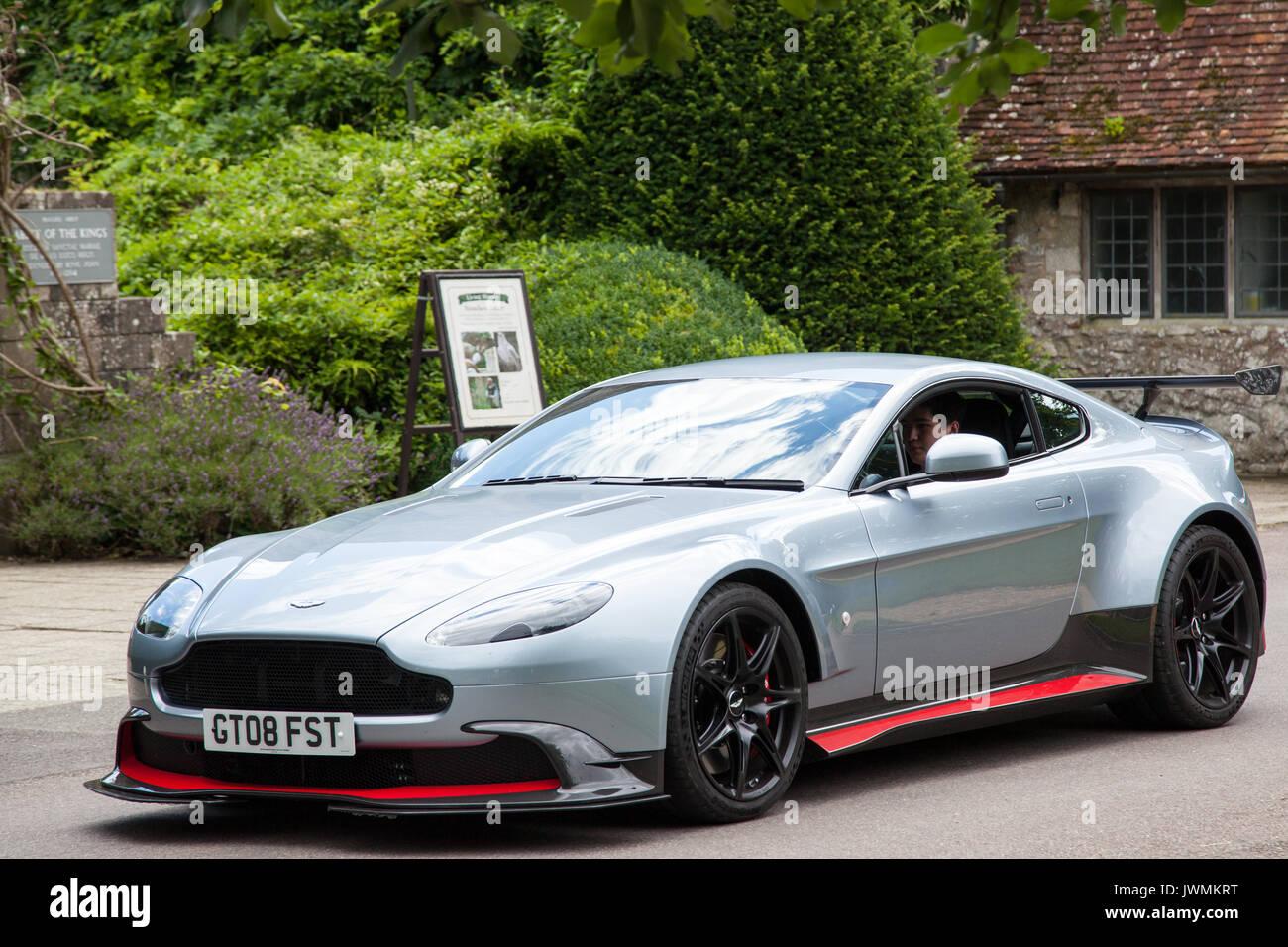 Aston Martin Vantage Gt8 2017 Fotografia De Stock Alamy