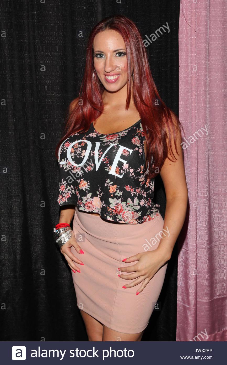Kelly Divine nude photos 2019
