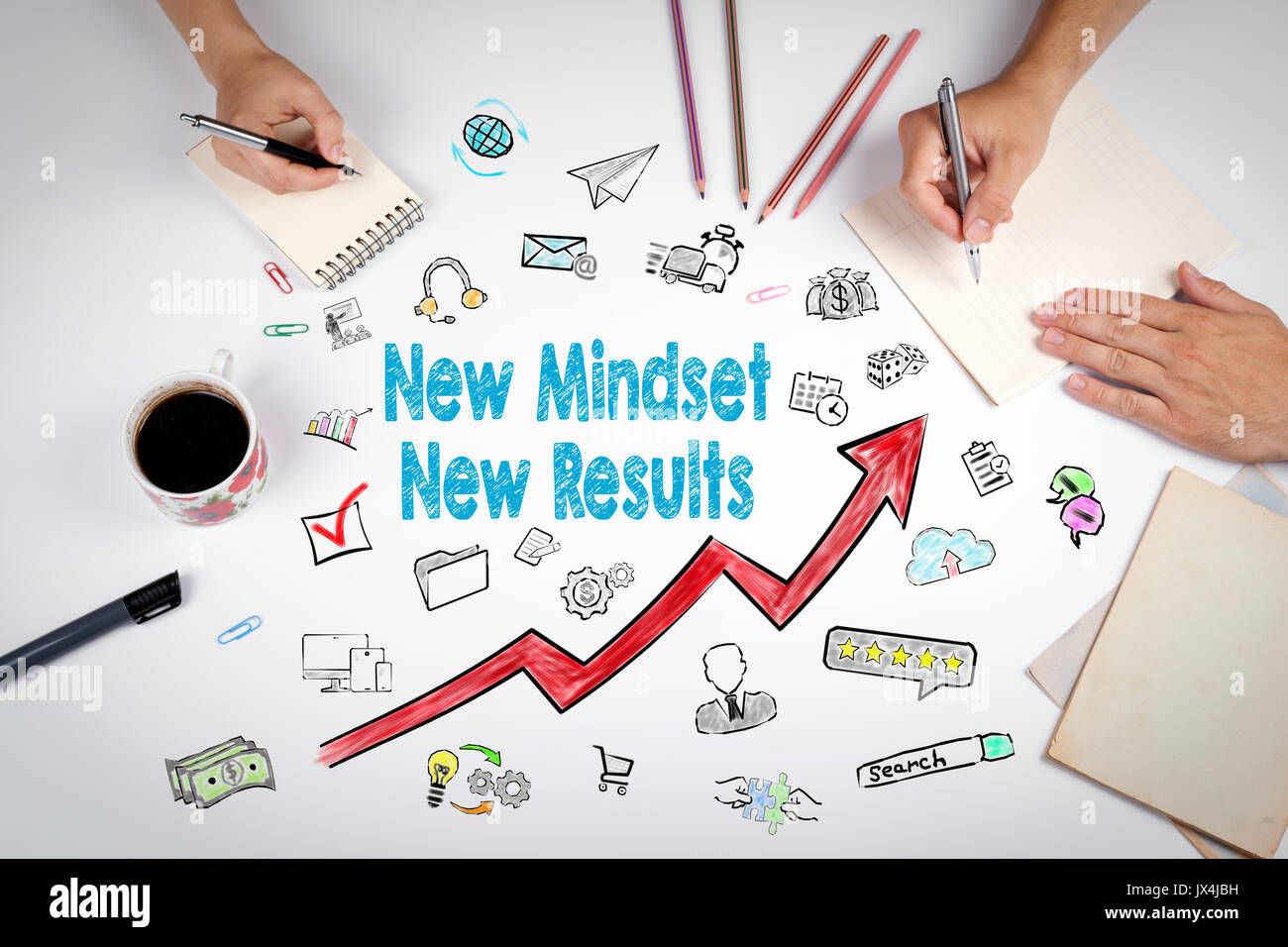 Nueva Mentalidad nuevo concepto de resultados. La reunión de la mesa de oficina en blanco. Imagen De Stock