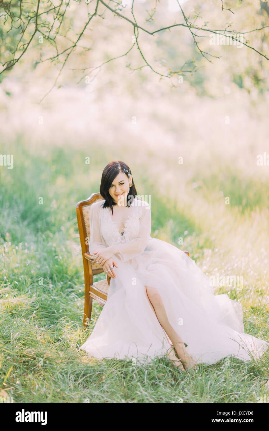 Vestido La El Mujer Largo De Campo Composición En Primavera 4qgctw8