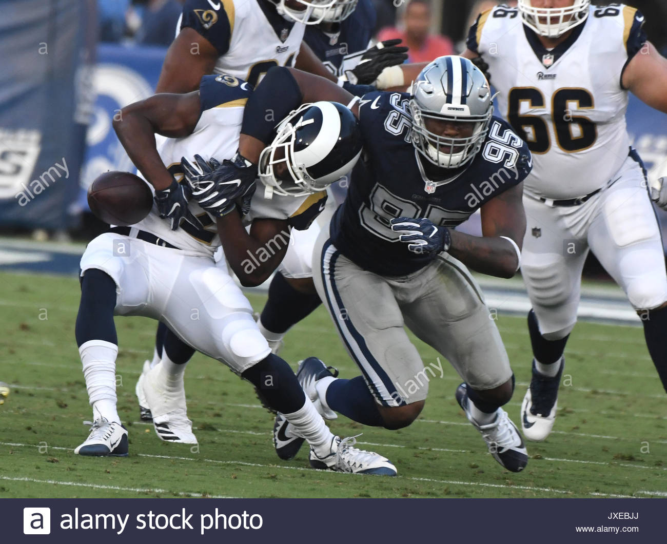 Los Angeles California Eeuu 12 Aug 2017 Los Angeles Rams Volver