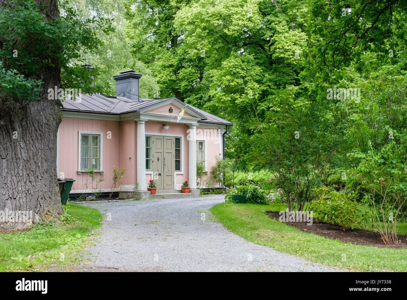 Histórico edificio residencial en Djurgården en Estocolmo. Djurgården es un área de recreación. Imagen De Stock