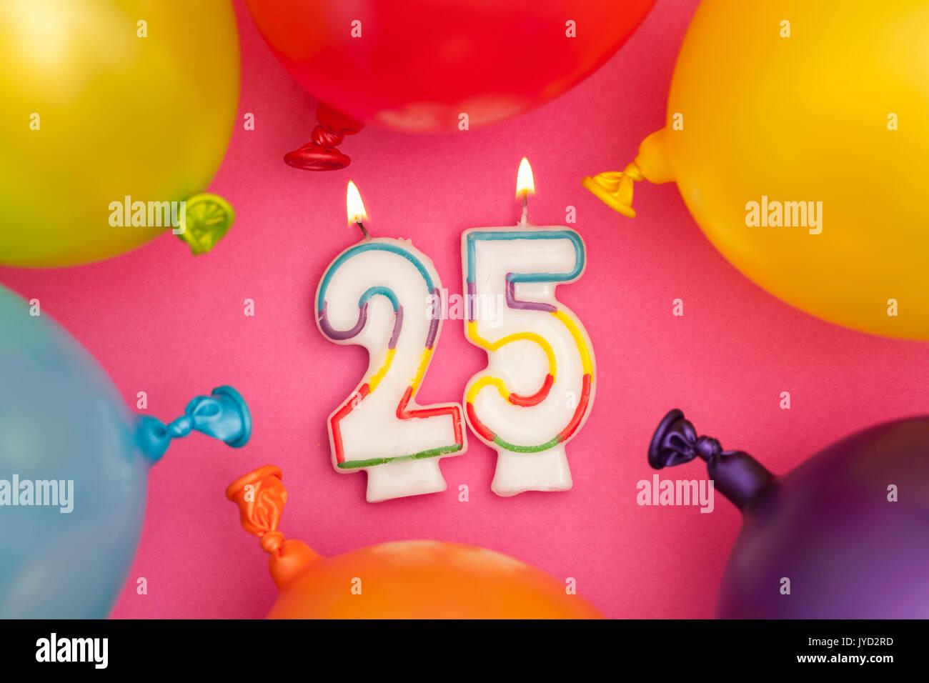 Feliz Cumpleanos Numero 25 Celebracion Vela Con Globos De Colores